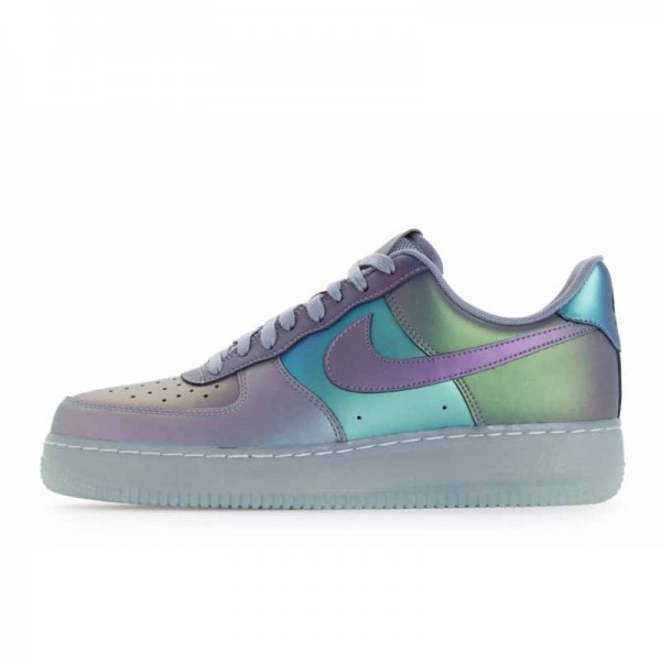 Nike Air Force 1 07 LV8 Iridescent...