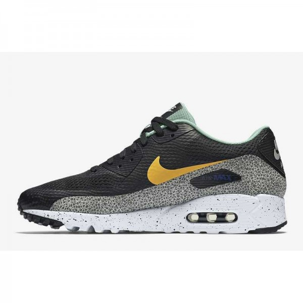 Nike Air Max 90 Ultra Essential...